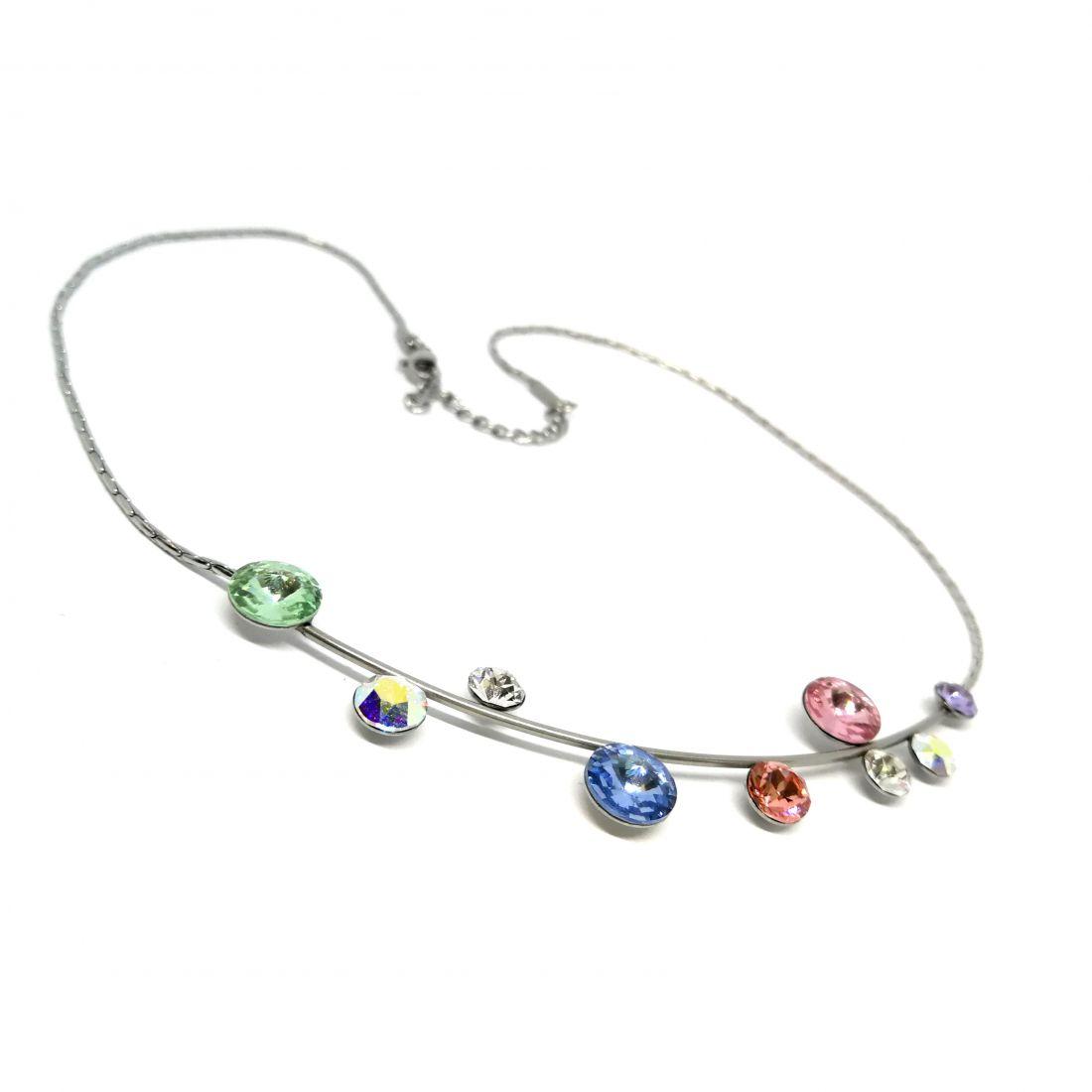 Merev íves nyaklánc színes Swarovski® kristályokkal díszítve